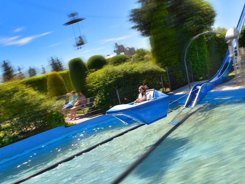 Water bobsleigh